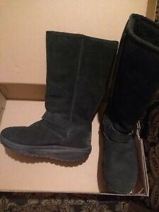 Skechers boots shape ups UK 4.5 fits size 5.5