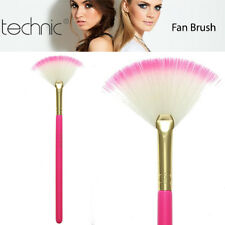 Technic Fan Makeup Face Highlighting Contour Cheek Bones Fanned out Head Brush