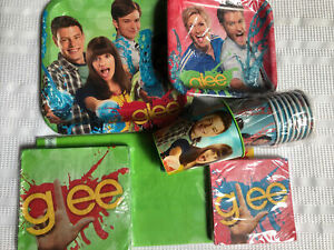 Glee Tableware & Decorations : plates, napkins, tablecover, cups, banner