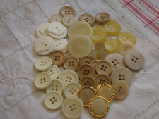 BOUTON  blanc beige   LOT PROMO (289)