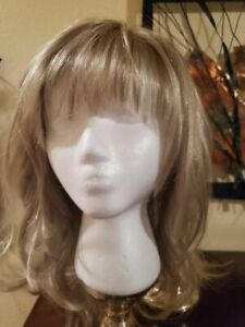 NORIKO MELODY BLONDE  LAYERED  WIG  NWB