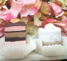 2 x Petit Fours Törtchen Macarons Beere Schoko Blume Torte Cupcake Fake Kuchen