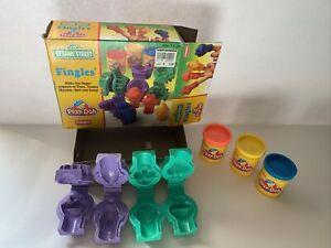 Playskool Play-Doh Fingles Sesame Street Elmo Cookie Monster Bert Ernie 1994