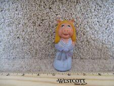 VTG 1978 Fisher Price MUPPET SHOW Stick Puppet Figure Miss Piggy girl pig finger