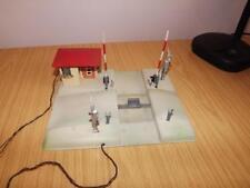 Ab145: Kibri O Gauge Tinplate Level Crossing