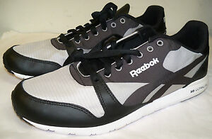 REEBOK MENS sz 8.5 RUNNING SNEAKERS BLACK & GRAY - VERY LIGHT WEIGHT -NWOB SHO-8