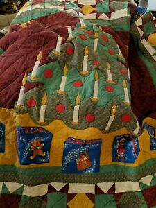 """King Handmade Vintage Log Cabin Quilt 102' X 92""""."""