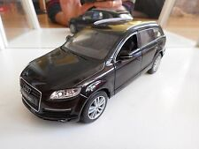 Welly / Schuco Audi Q7 4.2 Quattro in Blakc on 1:24