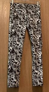 Justice Girls Size 12 Regular Jeans Black And White Roses Premium Jeans E482xm