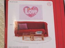 Puppenstube Wohnzimmer Stube Rotes Sofa plus Tisch Deko *NEU* Lundby Smaland