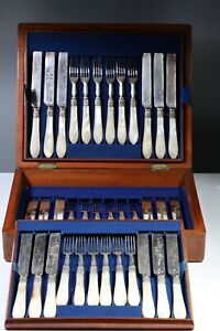 36 PIECE CANTEEN OF SILVER PLATED & MOTHER OF PEARL  KNIVES & FORKS #2