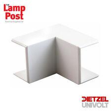 Univolt MIE 50/50 - White PVC 50 x 50mm Maxi Trunking Internal 90 Degree Angle