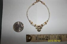 Disney milk glass bead gold accents bracelet  Beaded mouse head 7 inch