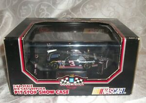 Goodwrench Dale Earnhardt Die-cast 1:43 Scale 1993 Item#: 07063RC NIB