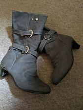 ladies grey boots size 5