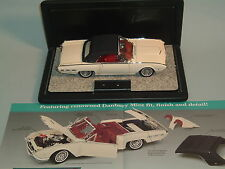 1962 FORD THUNDERBIRD SPORTS ROADSTER WHITE CONVERTIBLE 1:24 DIECAST & DISPLAY