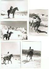 Antiguas fotografías de personas a caballo. Lote de 5 fotos