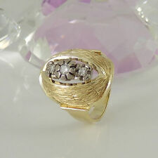 Echtschmuck im Cluster-Stil aus Gelbgold mit VS Reinheit Ringe