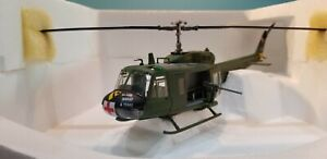 "ARMOUR MODELS (98166) US ARMY UH-1D ""HUEY"" ""MEDEVAC"" 1:48 SCALE DIECAST MODEL"