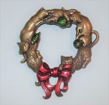 Vtg JJ Jonette Xmas Cat Wreath Pin Red Enamel Ribbon Bow Green Ornament Gold Tne