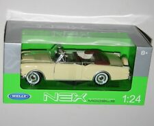 Welly - 1953 PACKARD CARIBBEAN (Pale Yellow) - Die Cast Model Scale 1:24