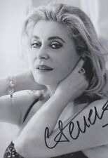 CATHERINE DENEUVE 1 Foto 13x18 signiert IN PERSON Autogramm signed