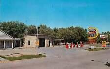 Roadside Postcard Spencer Motel & Mobil Gas Station, Oakley, Kansas
