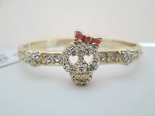 NWT Auth Betsey Johnson Goldtone SKULL Rhinestone Heart Hinged Bangle Bracelet