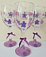 Personalised wine glass hand painted flower and heart design birthday gift