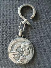 Porte clé les francs tireurs Bruxellois Ø 3,5 cm en métal bon état