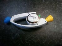 Bop It 2008 Hasbro White Classic Hand Held Game Bopit Twist Pull Party Fun