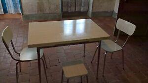 table de cuisine formica blanc 2 chaises et un tabouret