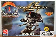 Amt Ertl 8458 Lost in Space Danger Will Robinson Robot plastic model kit 1/6