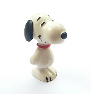 Figurine Schleich Snoopy Peanuts United Features Hong Kong Snoopy Vintage 2in