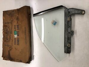 1970, 1971 NOS FORD TORINO PASSENGER SIDE 1/4 GLASS WINDOW REAR  D0OZ-6529700-A