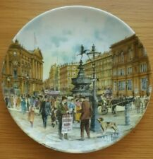 Davenport Pottery - Cries of London - The Newspaper Seller Display Plate