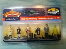 36-402 Bachmann Scenecraft 1960/70s Standing Station Passengers