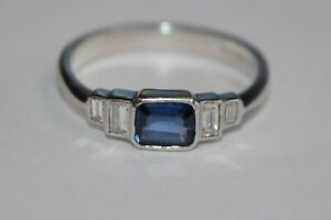 18ct White Gold Octagon Sapphire With 4 Baguette Diamonds