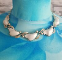VINTAGE CORO SILVERY GOLDTONE WHITE Collar BAROQUE leaf necklace