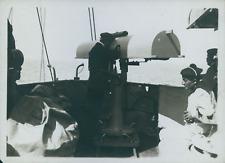 """Sur l """"Ernest Renau"""", officier regardant au télémètre, 1904, Vintage silver prin"""