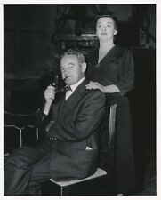 BETTE DAVIS BARRY FITZGERALD 1956 CANDID MGM Studio Set THE CATERED AFFAIR Photo