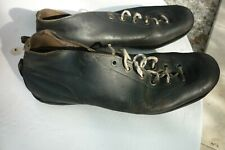 paire de crampons  cuir  chaussure de foot hungaria Old Soccer Shoes Cleat c1950