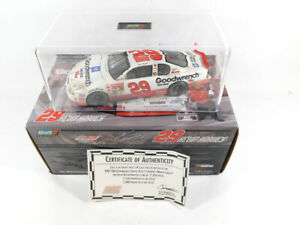 2001 Revell Kevin Harvick #29 Monte Carlo 1:24 Car Goodwrench No Base