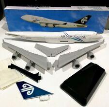Long Prosper Air New Zealand 1/250 scale Boeing 747-400 Plastic model plane