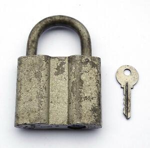 Antique Padlock IN Key Soviétique. USSR / Ссср . Condition Of Marche. With 1 Key