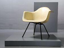 Eames 1st generación rope Armchair, Zenith plastics, Herman Miller, fibra de vidrio