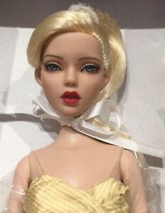 Tonner Deja Vu Golden Girl NRFB 2014 Paris Doll Festival LE 75 convention