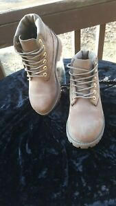 Timberland Boots  A LV L N A2830 Boys   Size 1y .