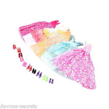 25 X Bundle Girls Toy Doll Barbie Clothes Shoes Accessories Outfits Dresses Bc1
