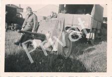 Foto WK 2 Soldaten Wehrmacht Panzerabwehrkanone LKW Südeuropa A1.35